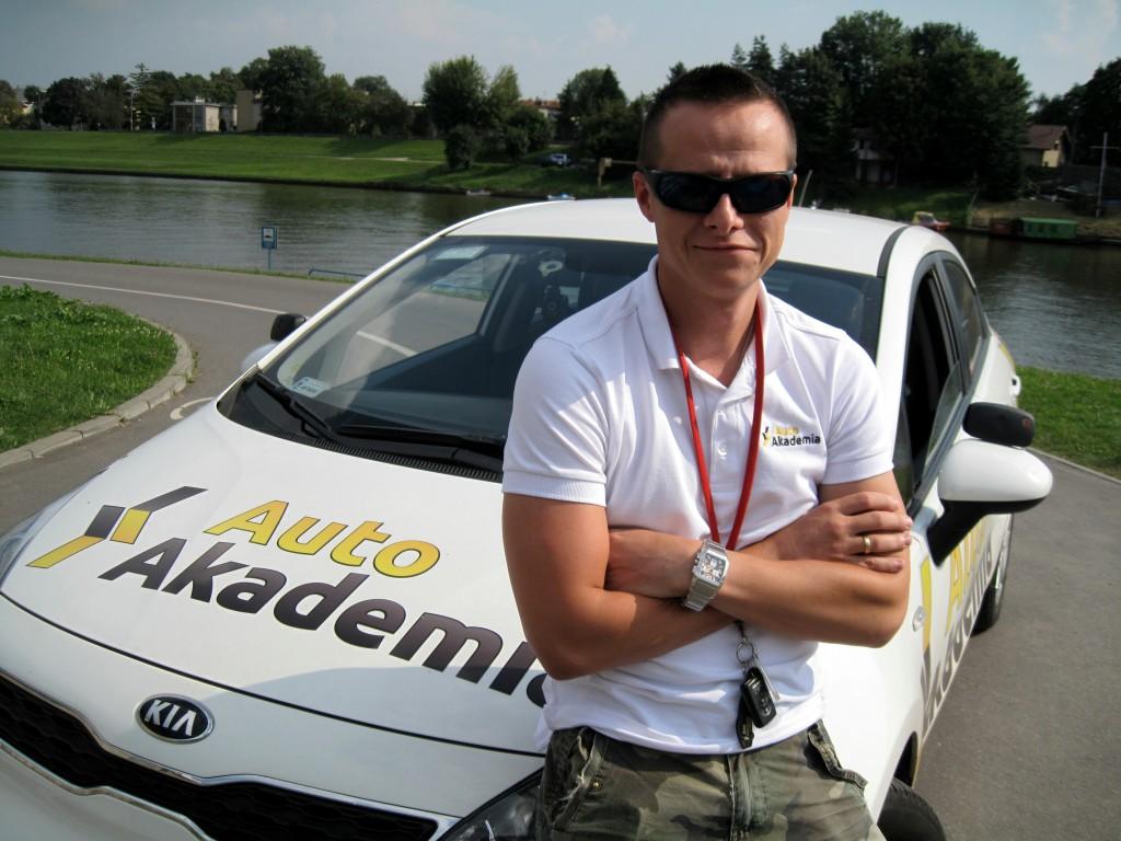 cechy-instruktora-nauki-jazdy